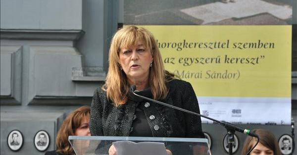 """""""Közjó-e a gyermek"""" – zavarbaejtő beszédet mondott Schmidt Mária a demográfiai csúcson"""