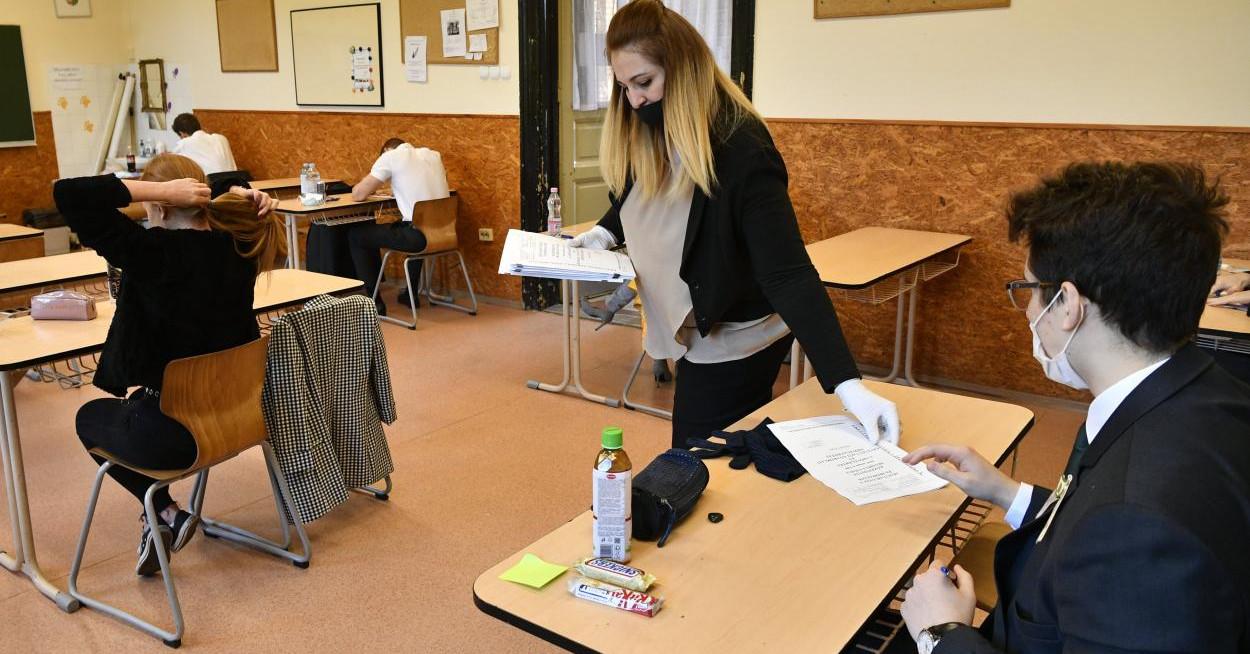 Háromszáznál is több diáknak kellett kihagynia az írásbeli érettségit
