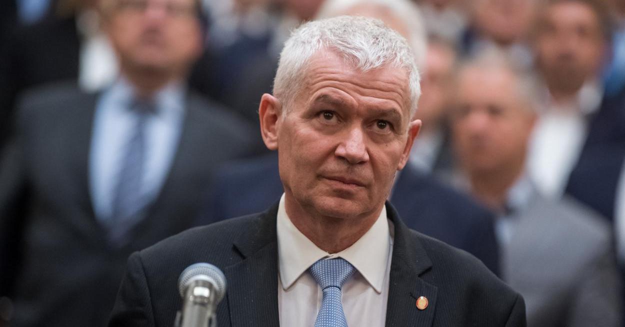 A kormány új javaslata szerint Polt Pétert is csak kétharmaddal lehetne leváltani
