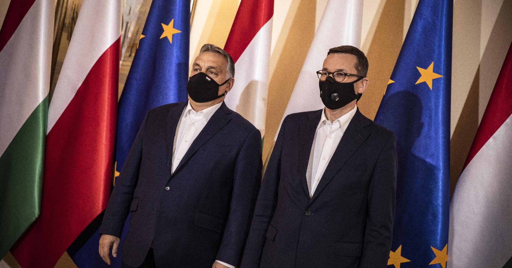 Törvényen kívül helyezte az EP a lengyel alkotmánybíróságot
